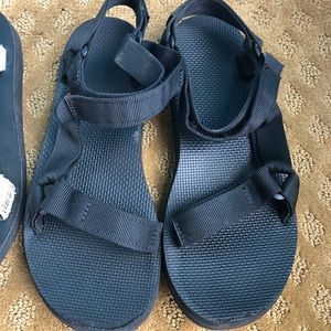 Teva Black Sandals 8